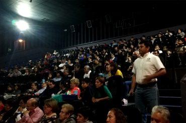 escuela-de-la-fe-cine-forum-el-mayor-regalo-1