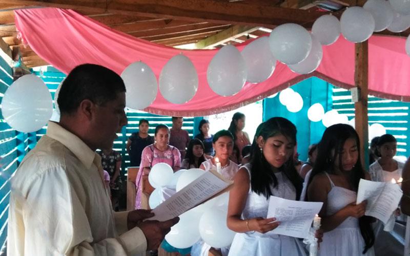 Evangelizador junto a la comunidad